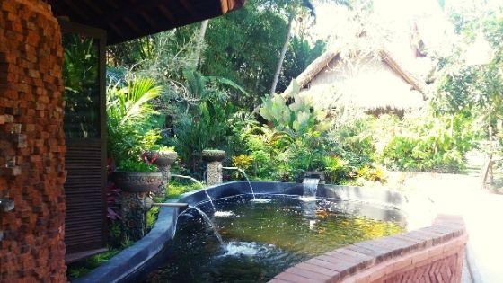 water-feature-yoga-barn-bali-yogi-life